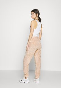 New Look - TEDDY JOGGERS - Tracksuit bottoms - camel - 2