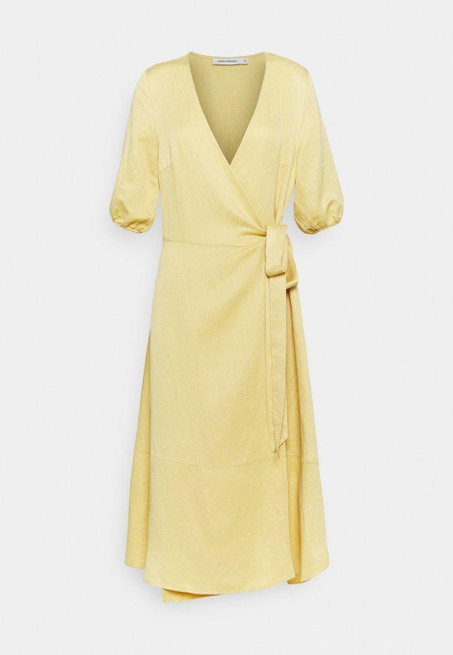 DRESS HALLE - Korte jurk - jojoba