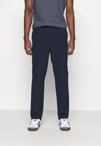 KnowledgeCotton Apparel - FIG CLUB PANT  - Tygbyxor - total eclipse - 0
