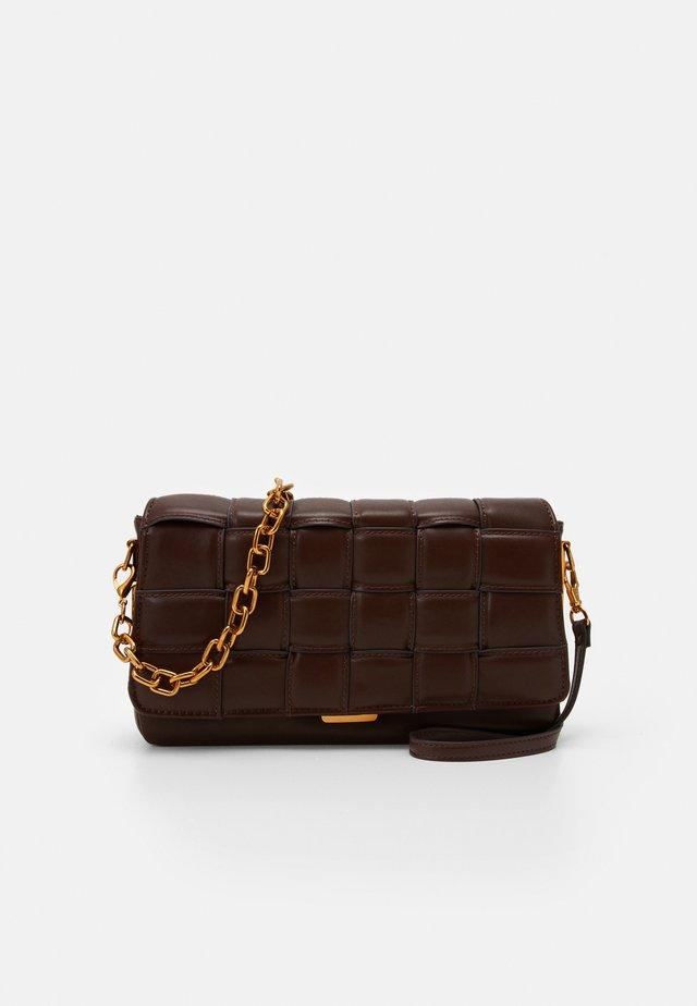 Handbag - brown/gold