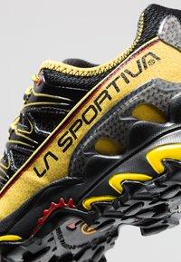 La Sportiva - ULTRA RAPTOR - Trail running shoes - black - 5