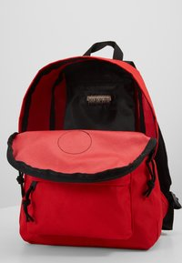 Napapijri - VOYAGE MINI - Rucksack - bright red - 4