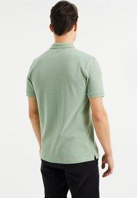 WE Fashion - Poloshirt - light green - 2