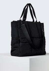 OYSHO - Sportovní taška - black - 2