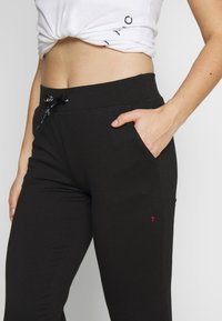 ONLY Play - ONPPERFORMANCE PANTS - Pantalones deportivos - black - 4