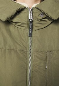 Tommy Jeans - HOODED JACKET - Winter jacket - olive tree - 5
