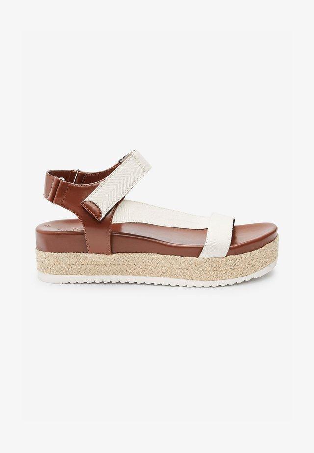 SPORTY - Sandály na platformě - tan