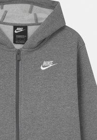 Nike Sportswear - PLUS HOODIE CLUB - Sweater met rits - carbon heather/white - 2