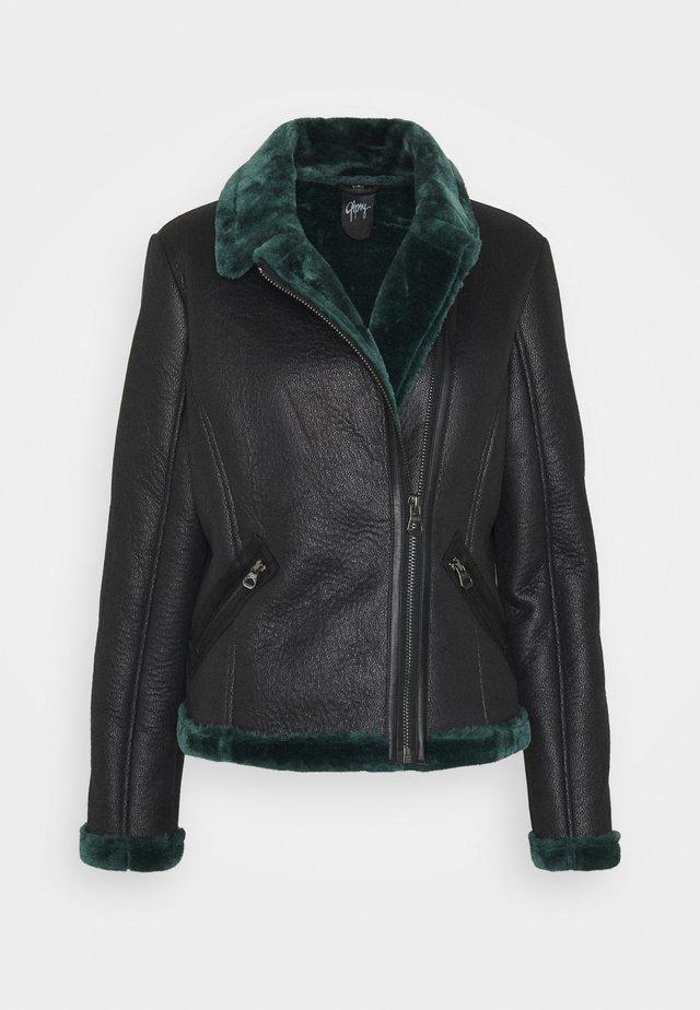 BRIGID  - Faux leather jacket - black/green