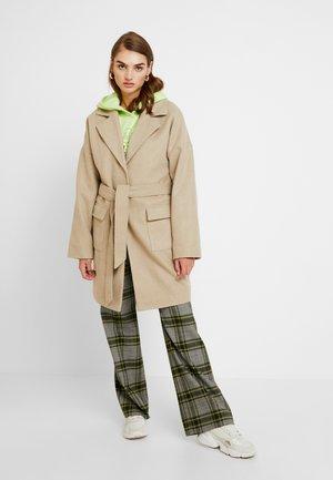 OVERSIZED MIDI COAT - Classic coat - beige