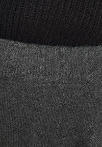 Pieces Curve - PCSALSA PANTS - Tracksuit bottoms - dark grey melange - 4