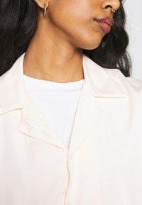 NU-IN - STEFANIE GIESINGER VINTAGE SHORT SLEEVE OVERSIZED - Button-down blouse - pink - 5