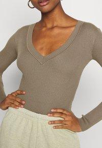 Missguided - NECK BODY - Pullover - khaki - 5