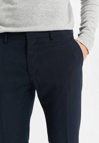WE Fashion - DALI - Suit trousers - dark blue - 4