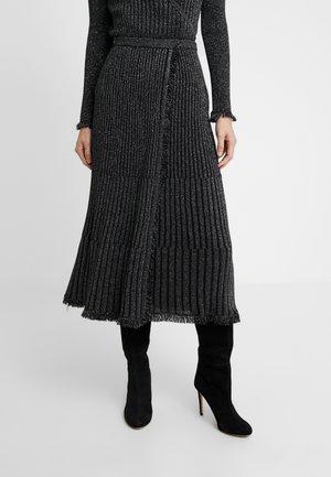 BROOKLYN - A-line skirt - black