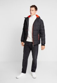 Superdry - SPORTS PUFFER - Winterjas - jet black - 1