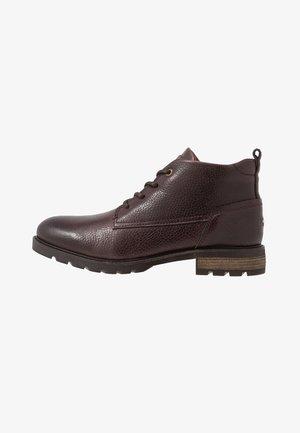 BOOT - Šněrovací kotníkové boty - brown