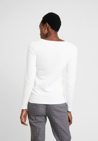 Marc O'Polo - LONG SLEEVE ROUNDNECK - Top s dlouhým rukávem - soft white - 2