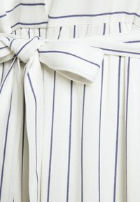 Mamalicious Curve - MLALANYA MIDI DRESS - Shirt dress - snow white/crown blue - 2