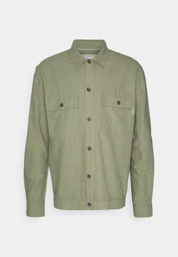 ONSKENNET LIFE OVERSHIRT  - Overhemd - oil green