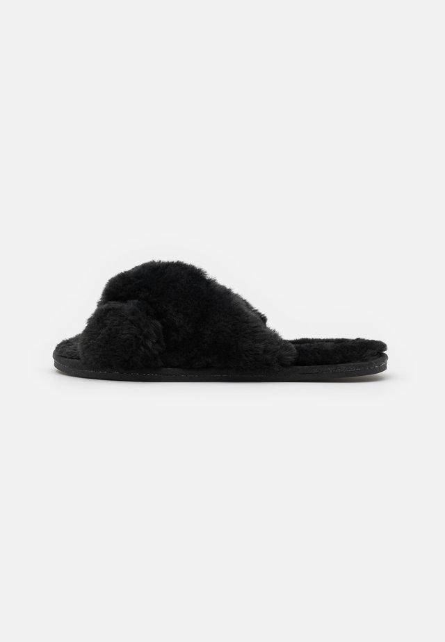 PERFECT FRIEND - Pantoffels - black