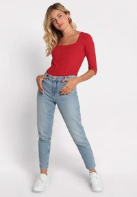 Cache Cache - GEWASCHENE MOM JEANS - Jeans Tapered Fit - denim double stone - 1