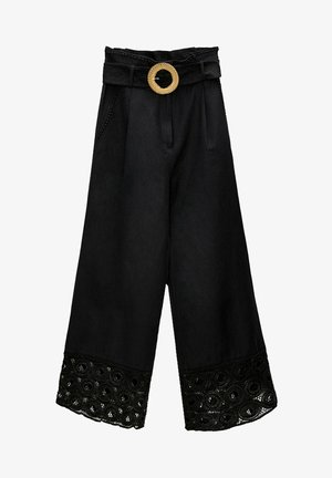 MIT SCHNALLE - Trousers - black