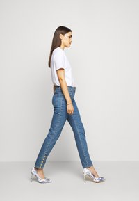 MOSCHINO - Slim fit jeans - blue - 4
