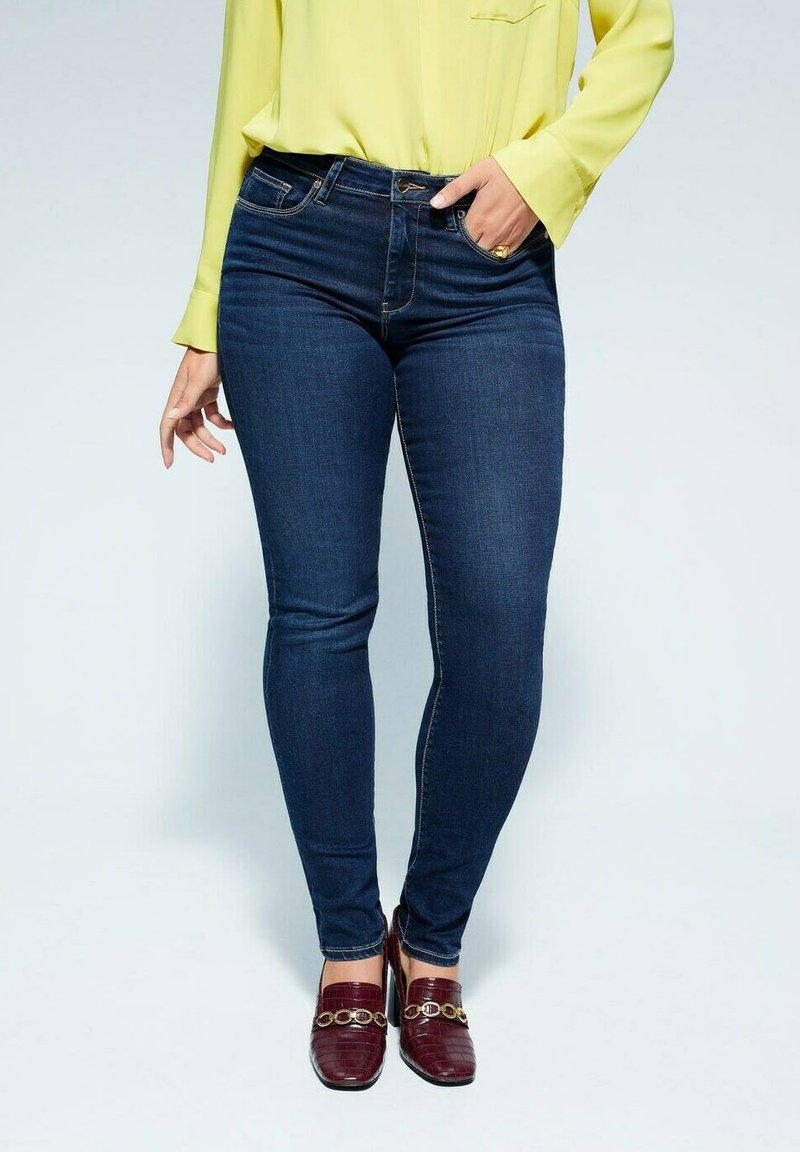 Violeta by Mango - VALENTIN - Slim fit jeans - dunkelblau