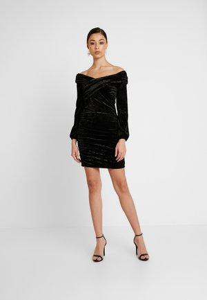 OFF SHOULDER DRESS - Pouzdrové šaty - black