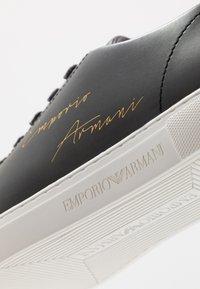 Emporio Armani - Sneakers basse - black/gold - 5