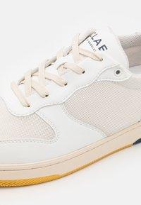 Clae - MALONE LITE UNISEX - Sneakers - white/blue/wheat - 7