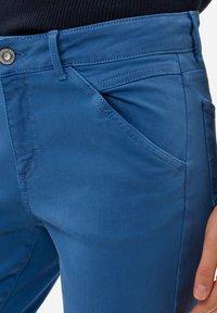 BRAX - SHAKIRA - Slim fit jeans - clean light blue - 2