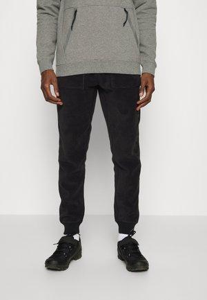 WESTMATE PANT  - Teplákové kalhoty - true black