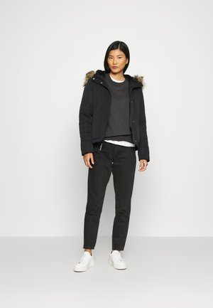 MID-WEIGHT TECH  - Winter jacket - black