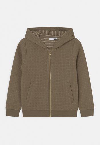 NKFKONNA CARD HOOD - Zip-up sweatshirt - stone gray