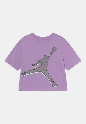 GIRL TEE - T-shirt z nadrukiem - lilac