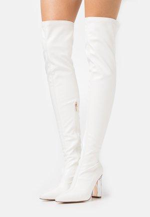 BRIANA - Boots med høye hæler - white