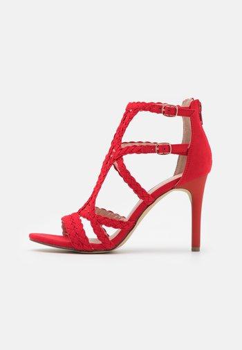 Sandales à talons hauts - light red