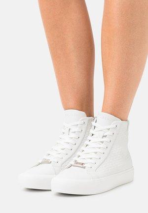 TOP EMBOSS MONO - High-top trainers - triple white