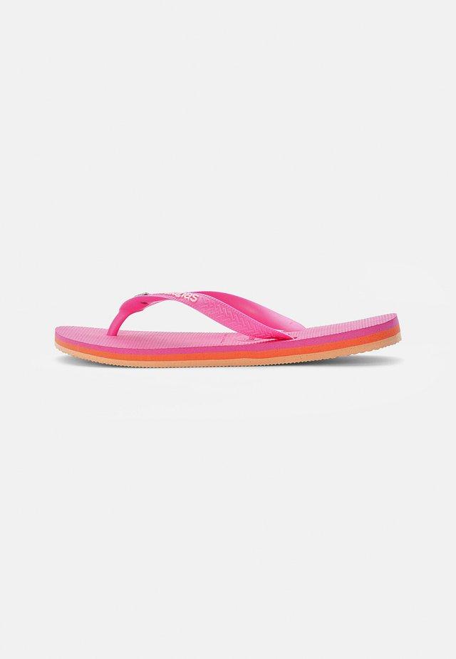 BRASIL LAYERS - Japonki kąpielowe - pink flux