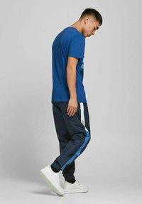 Jack & Jones - Print T-shirt - galaxy blue - 2