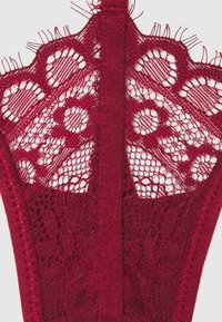 Hunkemöller - JACKY - Stringit - rumba red - 2