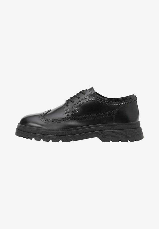 Volnočasové šněrovací boty - black