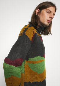 Another Influence - ROLL NECK SCENIC JUMPER - Trui - charcoal - 3