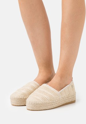 Loafers - beige