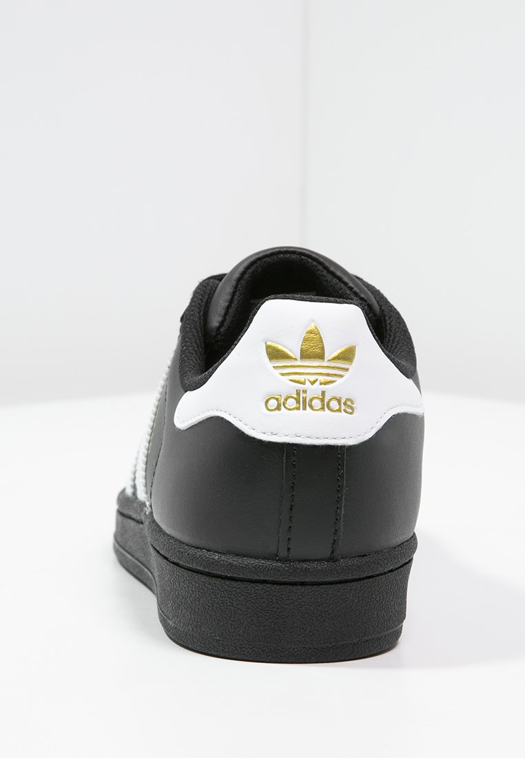 basket adidas superstar noir et blanc