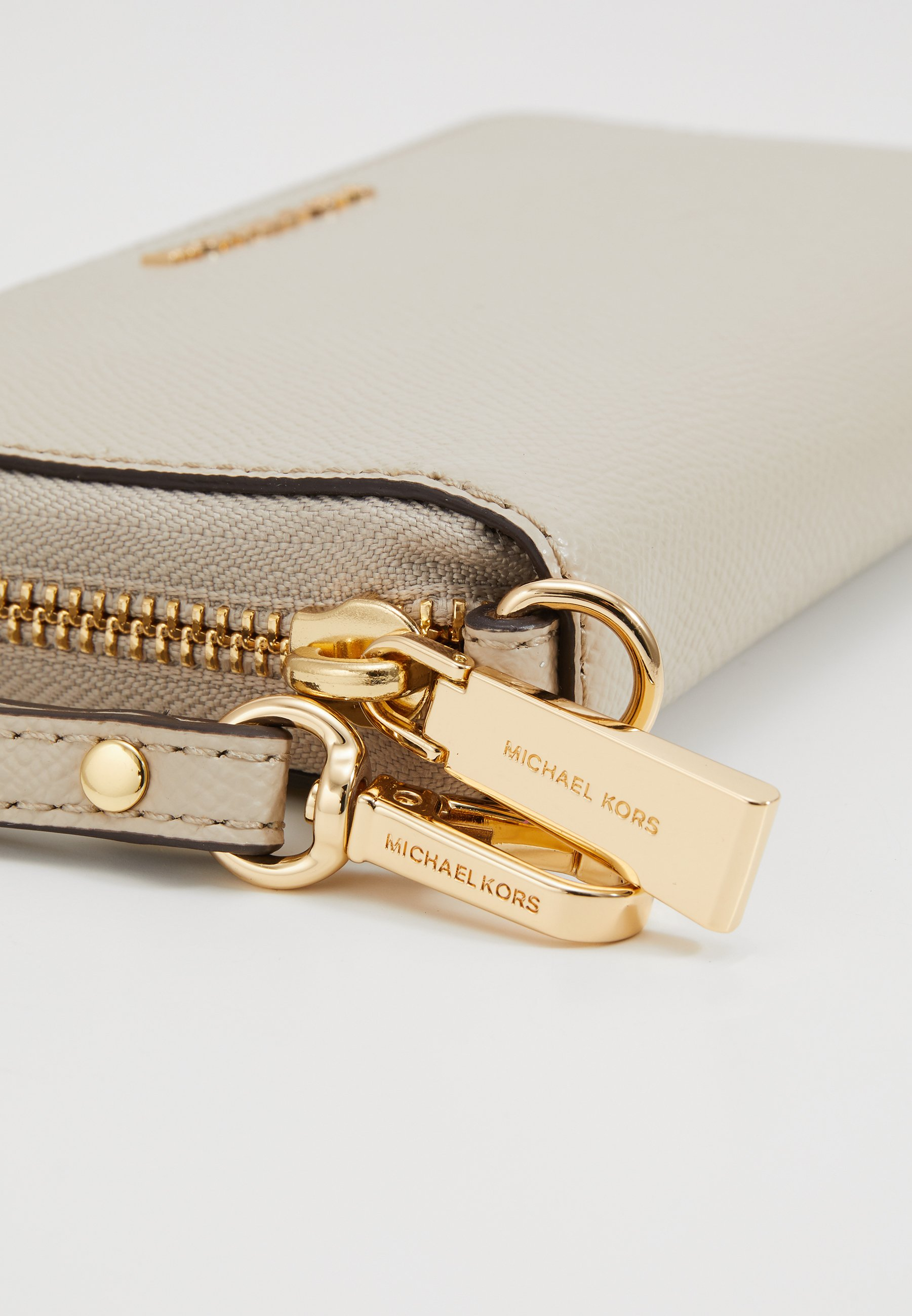 Wholesale 2020 Accessories MICHAEL Michael Kors JET SET FLAT CASE CROSSGRAIN  Wallet light sand zy7BJlYaz g6g5jBvLK