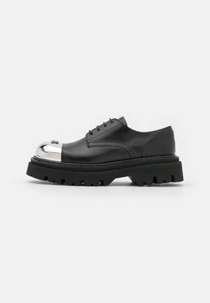 Chaussures à lacets - nero
