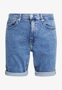 Calvin Klein Jeans - SLIM  - Džínové kraťasy - light-blue denim - 4